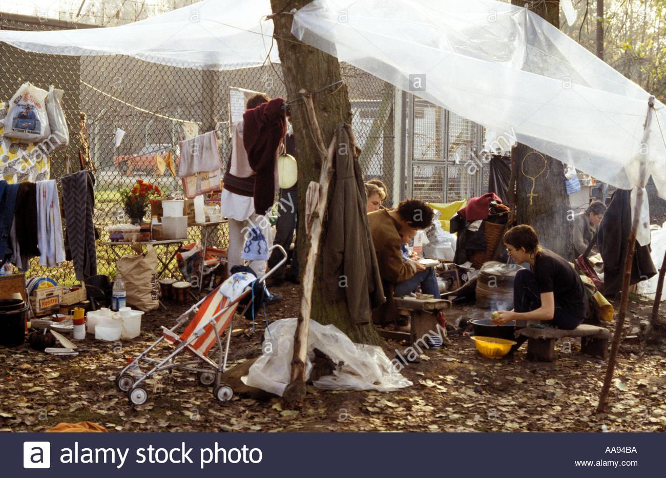 Woman's peace camp Berkshire protestaient contre la base de missiles de croisière américains à Greenham Common. Photo Stock