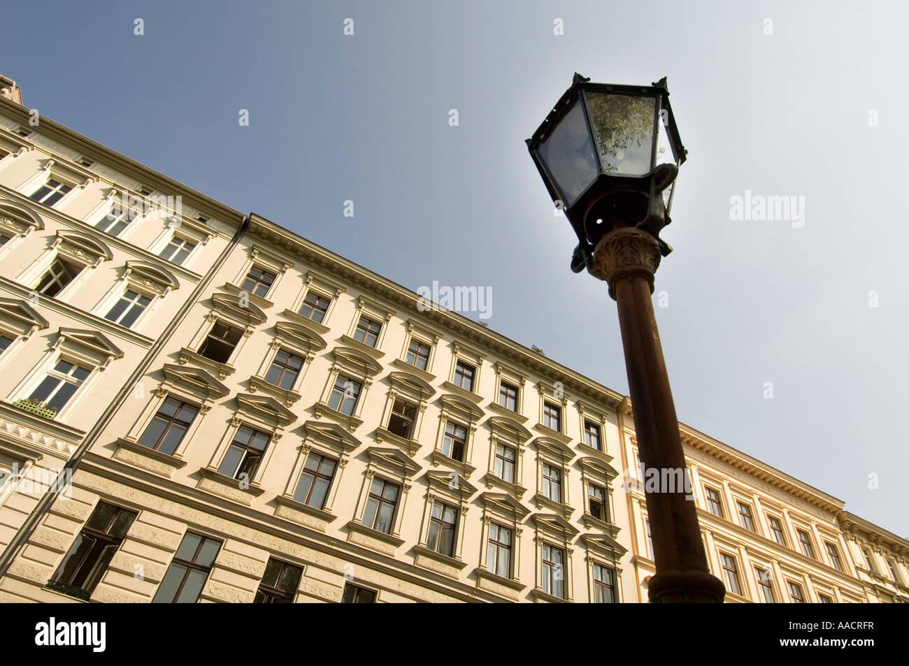 Façades de bâtiments anciens, Kreuzberg, Berlin, Allemagne Photo Stock