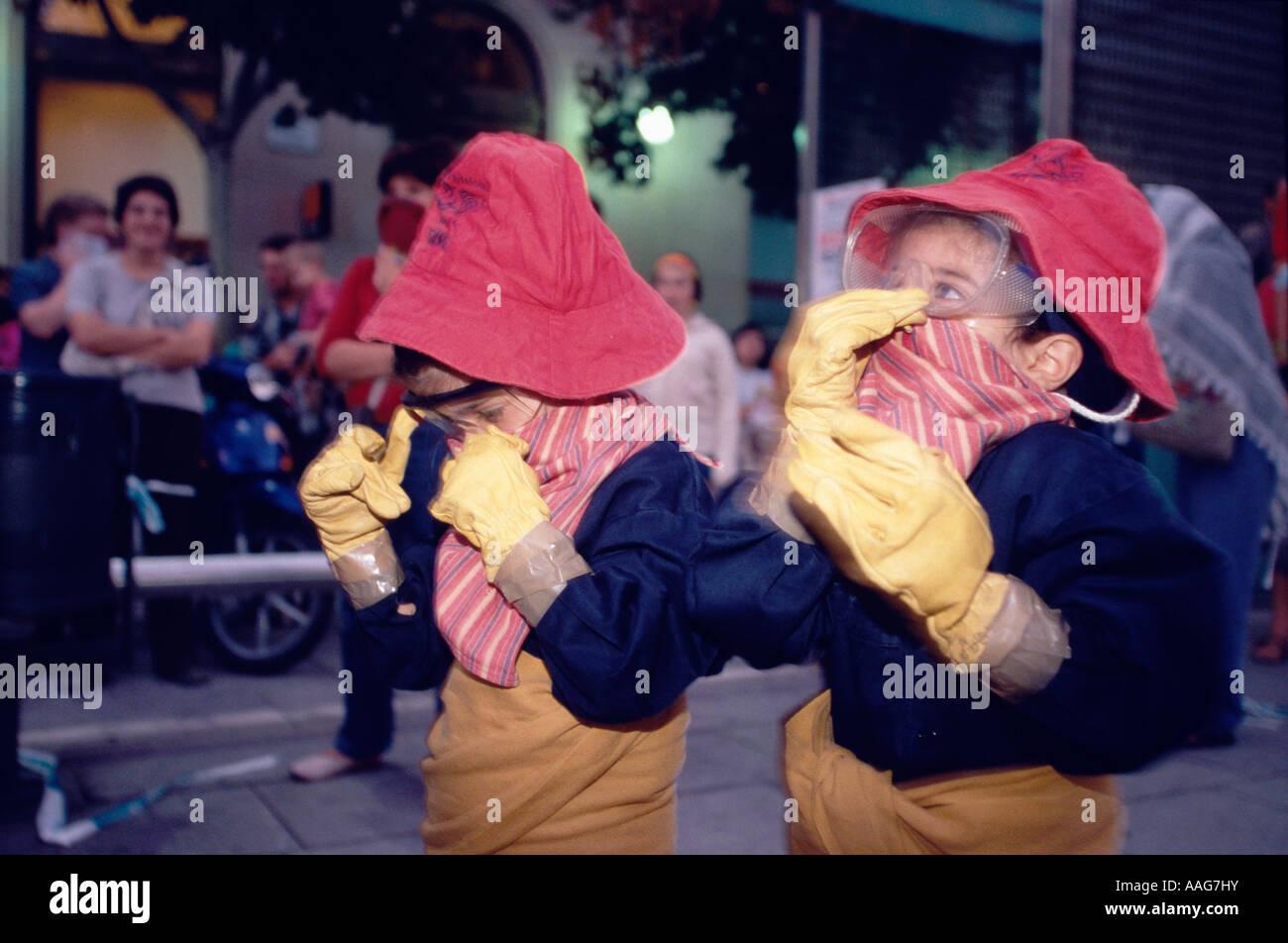 De Protection de l'Enfants s Correfoc Barcelone Catalogne Espagne Parade Banque D'Images