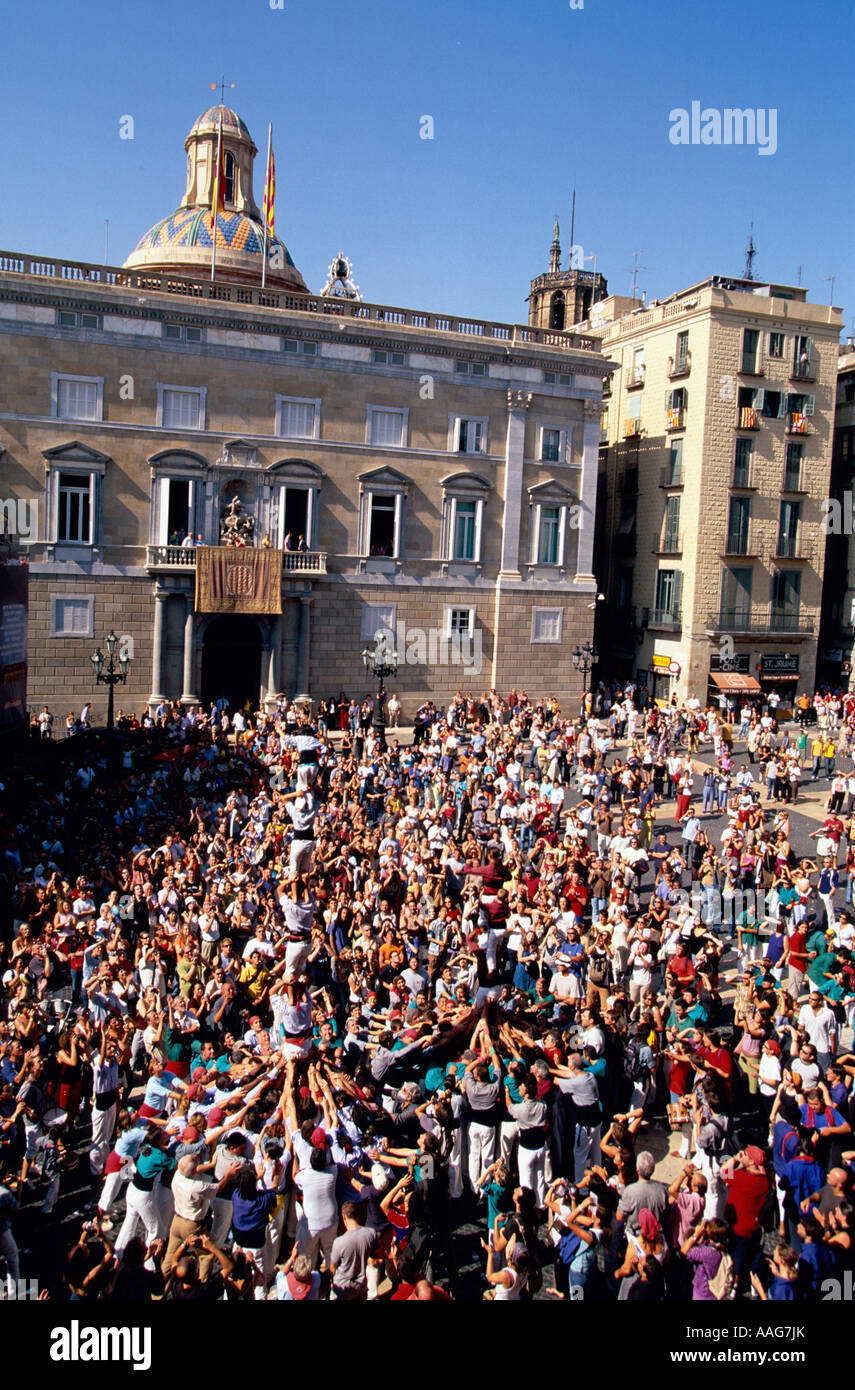 Les Castellers Tower Place St Jaume Festa de la Merce Barcelone Catalogne Espagne Banque D'Images