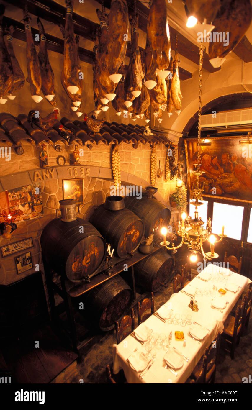 Vue à l'intérieur Restaurant Los Caracoles Vieille Ville Barcelona La Catalogne Espagne Banque D'Images