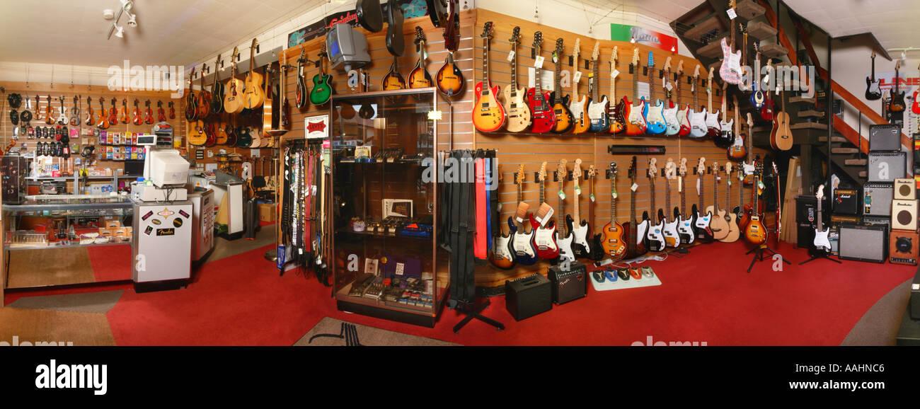 Magasin de musique d'intérieur Stockport UK alligator Photo Stock