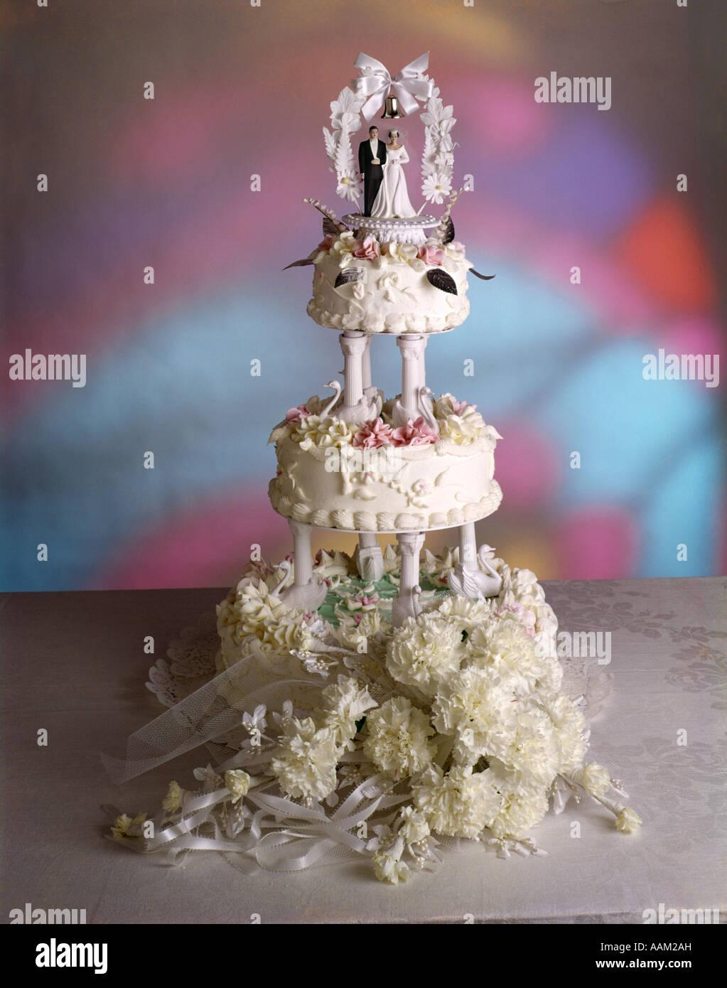 Niveaux 3 Gâteau De Mariage Décoré De Fleurs De Givrage