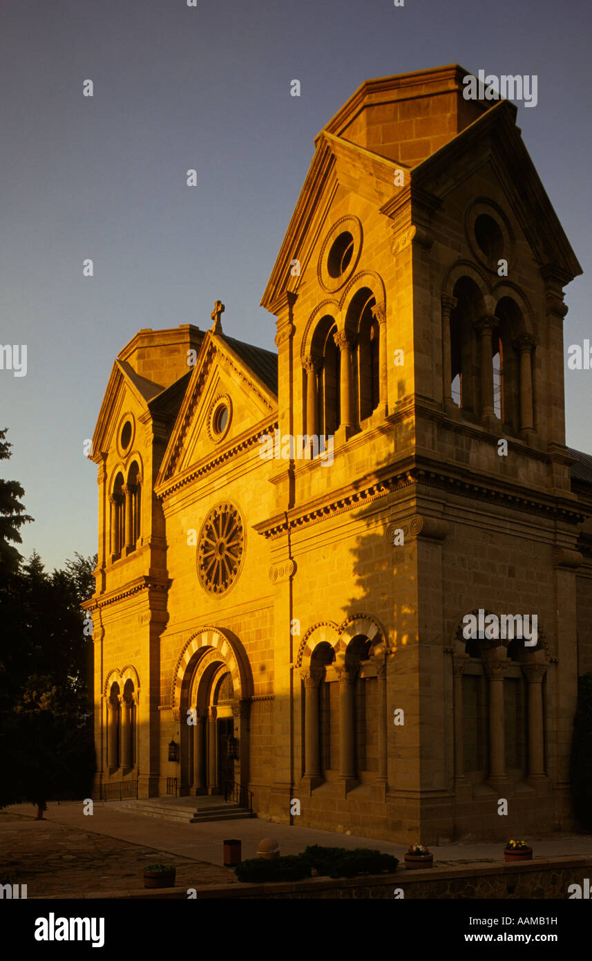 SANTA FE NM ST. FRANCIS CATHEDRAL SOIR Photo Stock