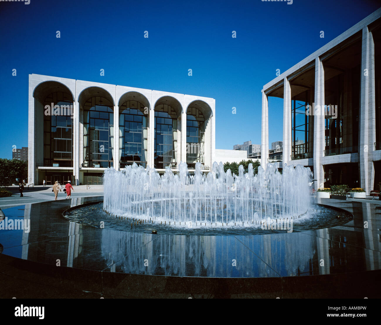 1970 LINCOLN CENTER NEW YORK CITY AVERY FISHER HALL NY State Theatre Photo Stock
