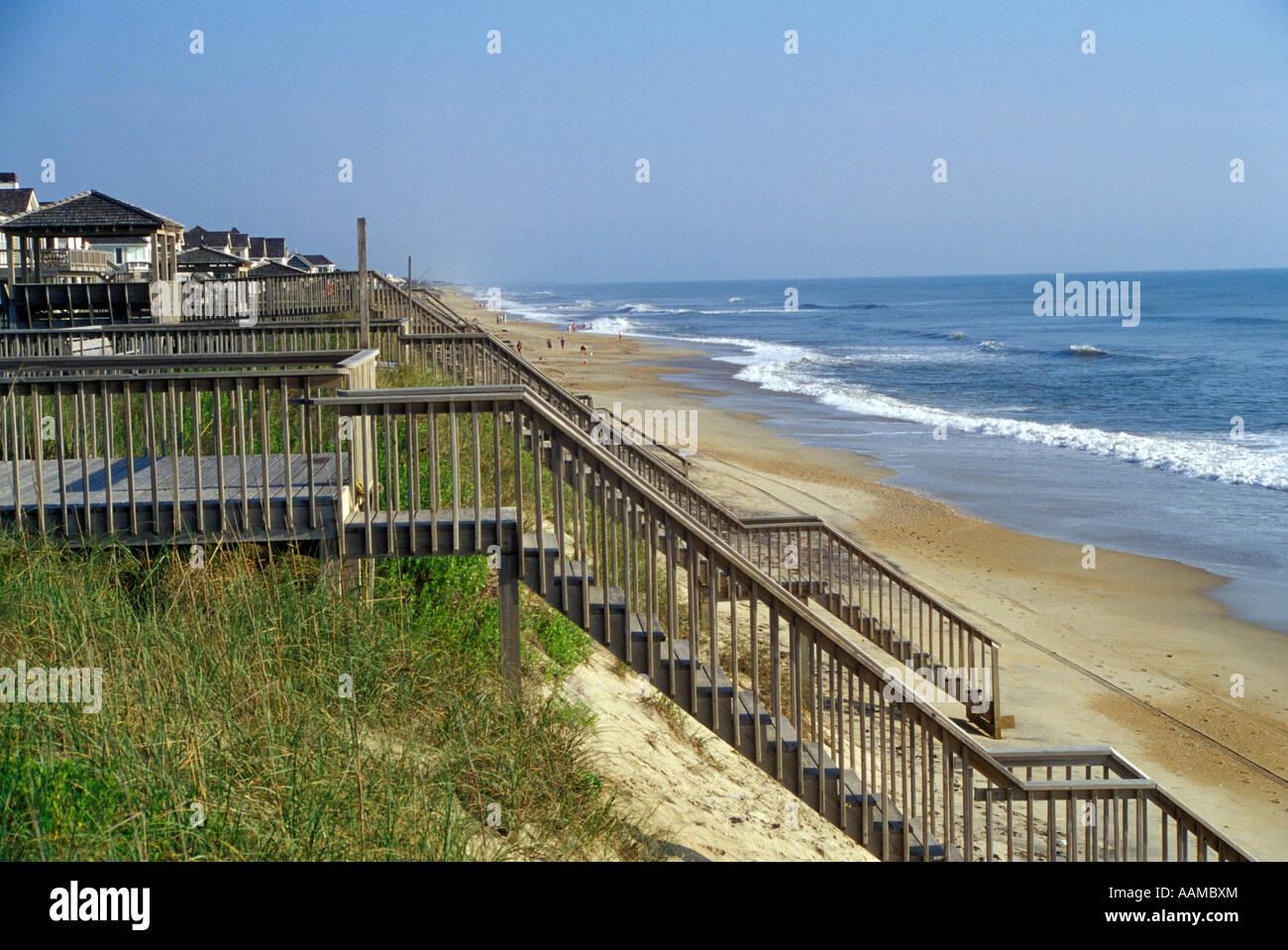 NAGS HEAD NC MAISONS DE PLAGE sur de hautes dunes Photo Stock