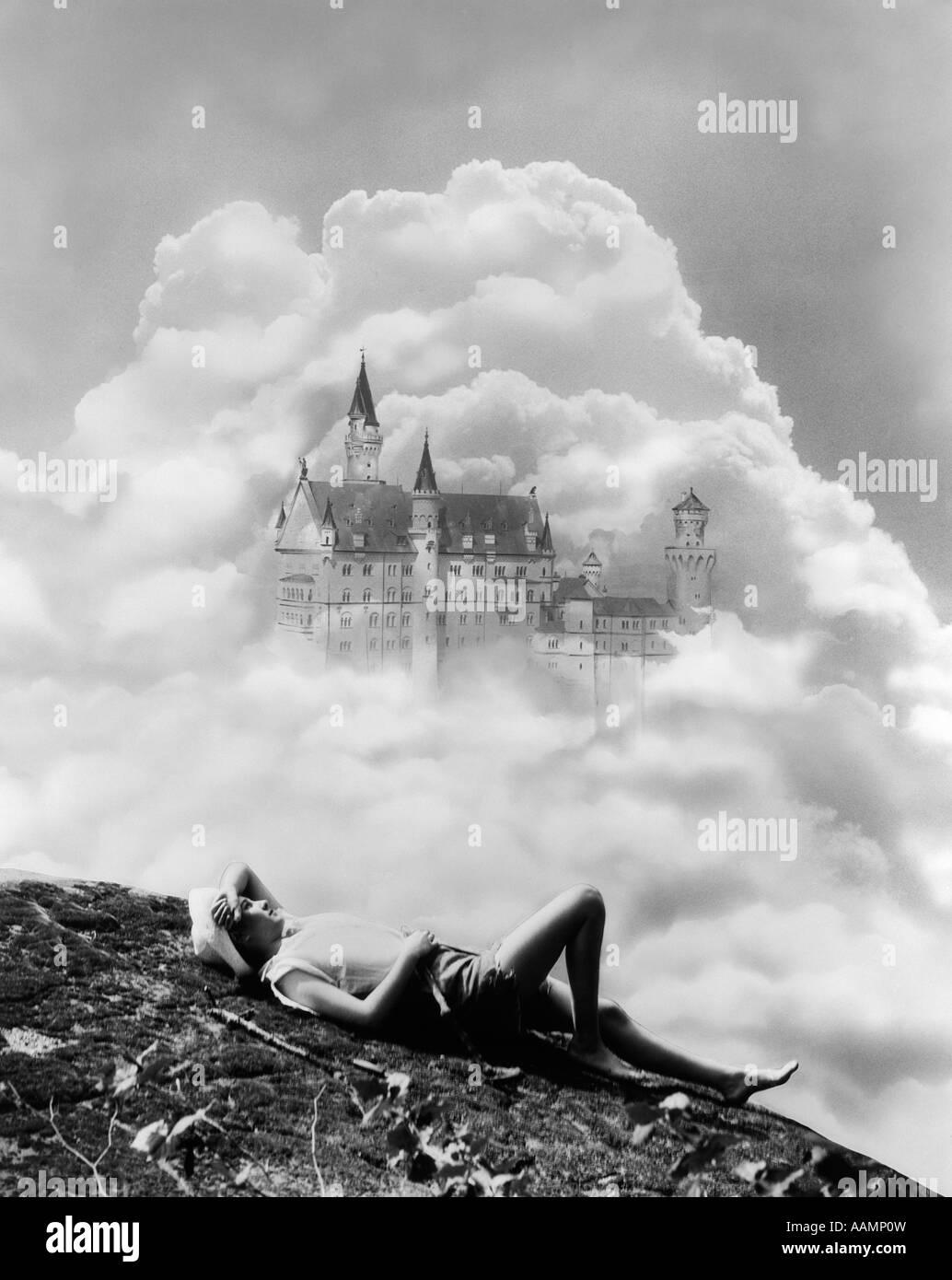 Un Chateau Dans Les Nuages 1930 montage de jeune femme rÊvant d'un chÂteau dans les