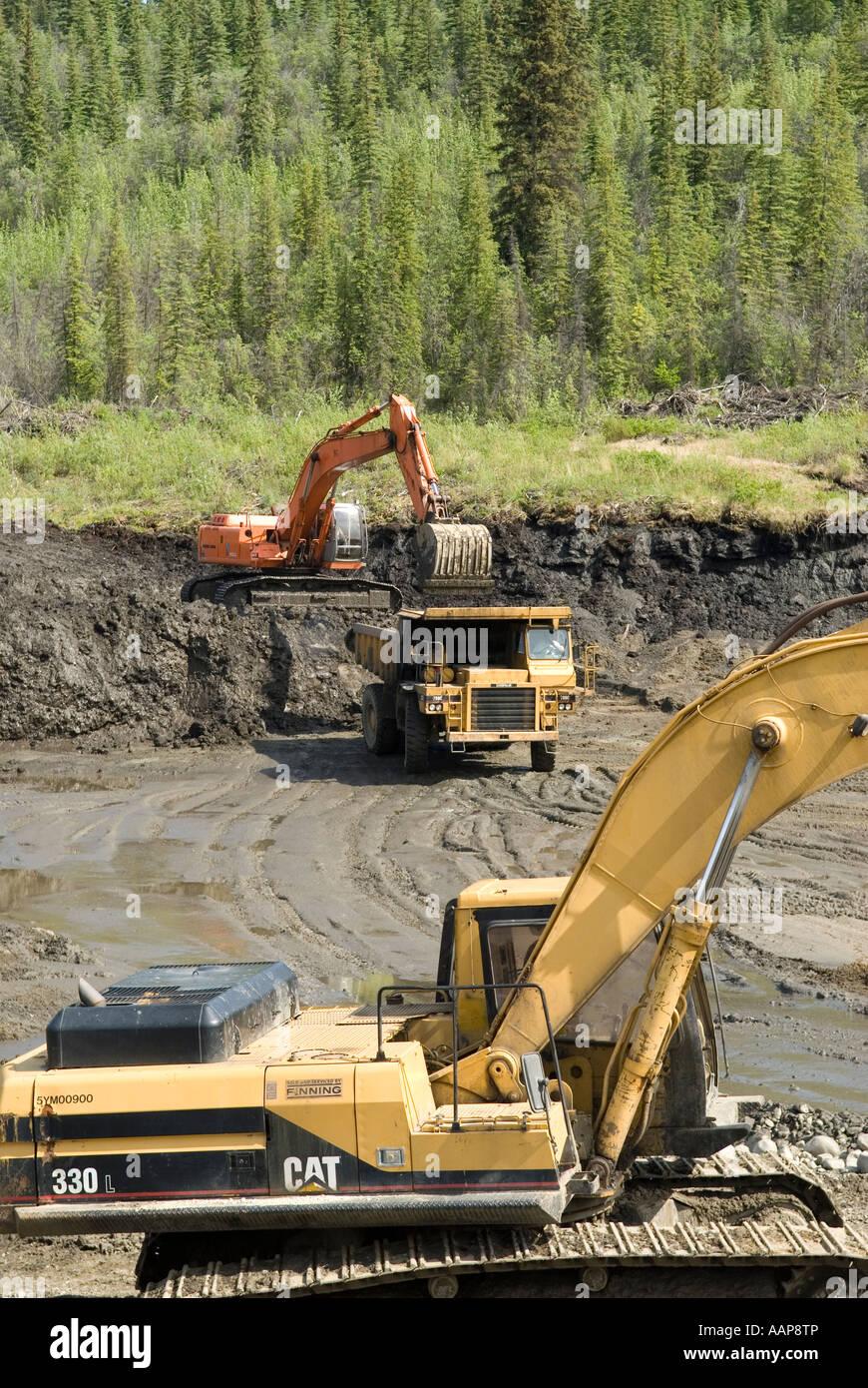 Construire Pres D Un Ruisseau l'exploitation des placers sur fond d'or ou du ruisseau