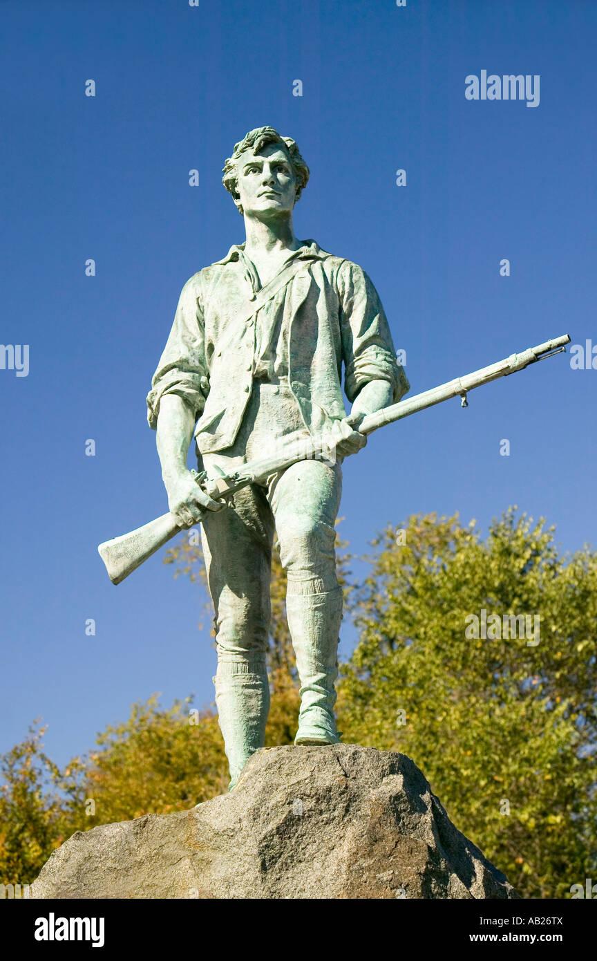 Soldat de guerre révolutionnaire Minuteman accueille les visiteurs à Lexington historique Massachusetts New England Banque D'Images