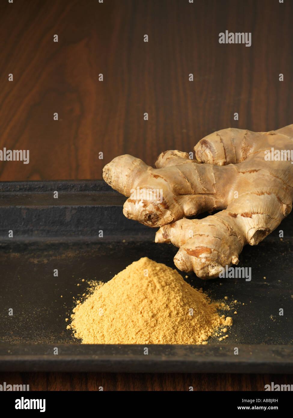 La racine de gingembre et de poudre Banque D'Images