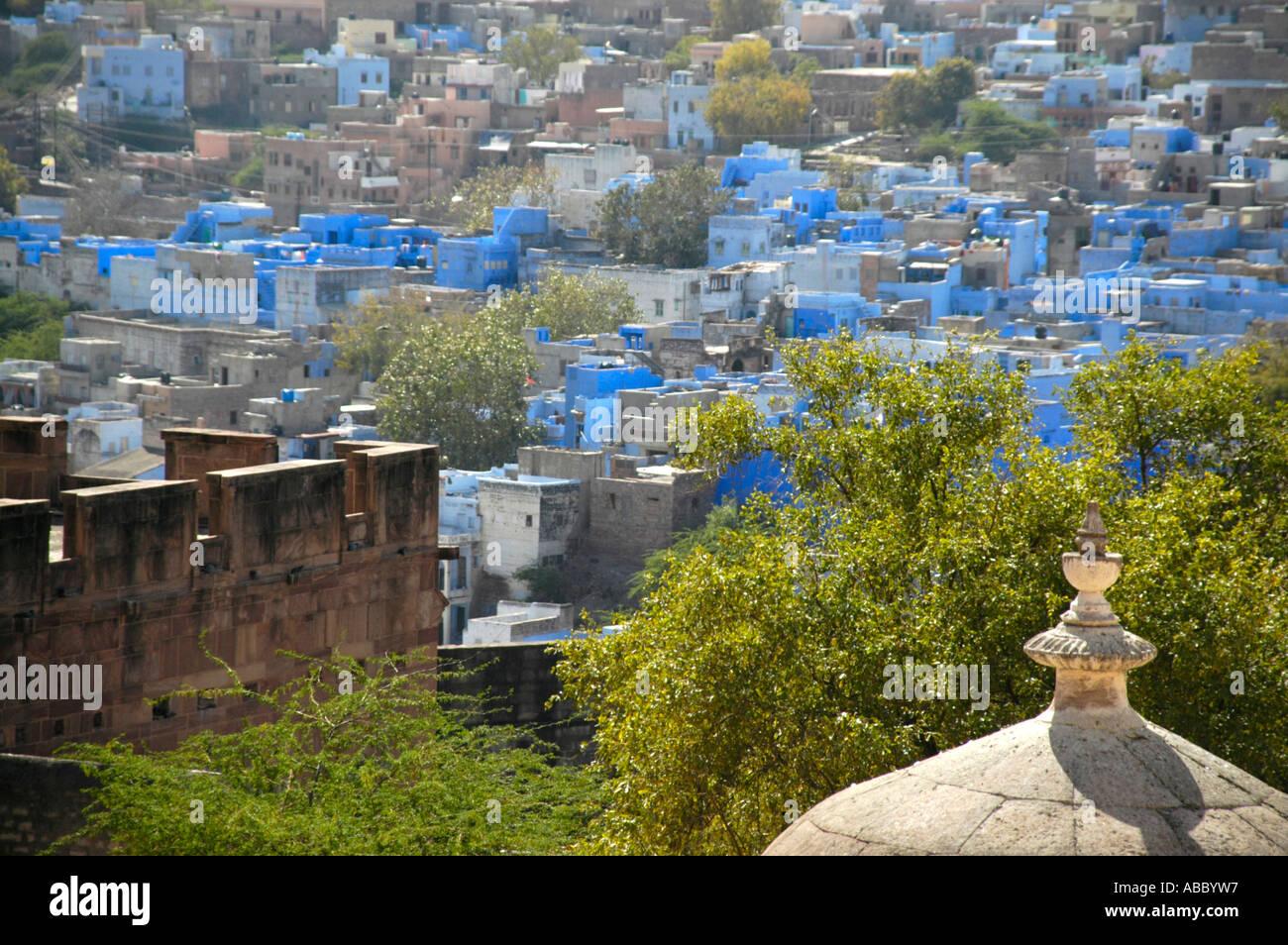 Vue sur les maisons de la ville bleue Jodhpur Rajasthan Inde Banque D'Images