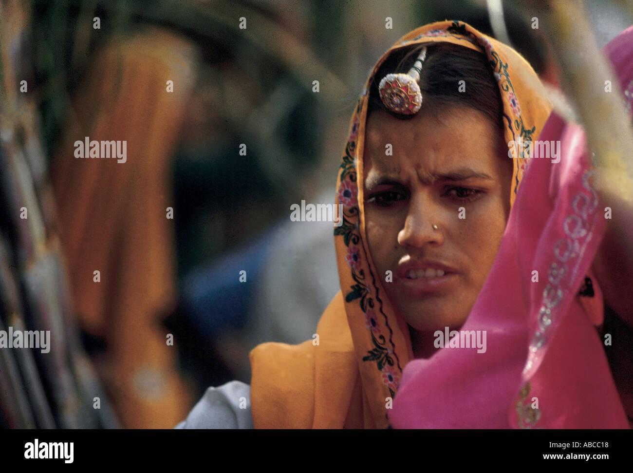 Les femmes du Rajasthan c'est leur costume traditionnel Photo Stock