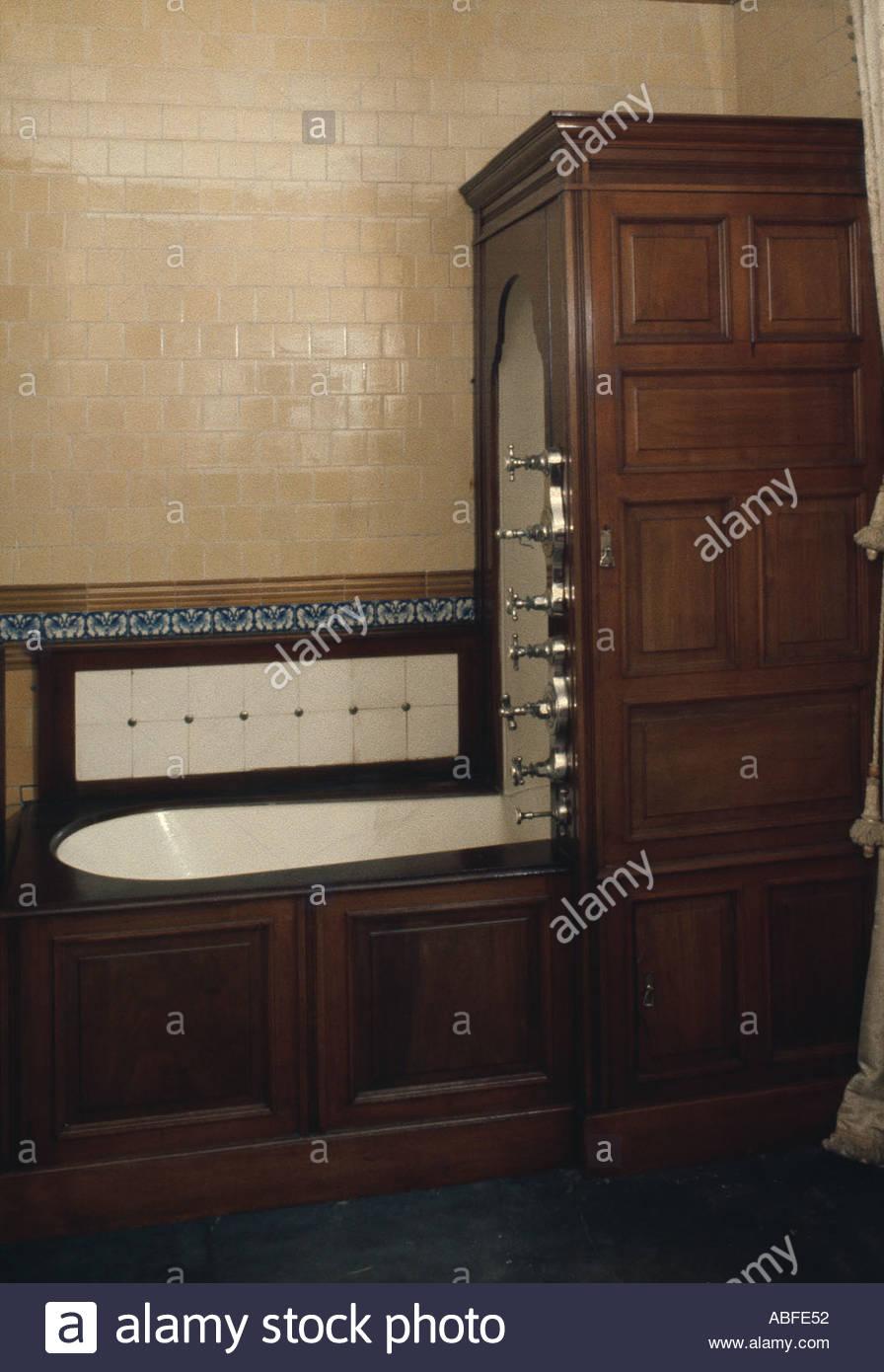 Les Salles De Bains Et Baignoire Eureka 1900 La Tuyauterie Cachee