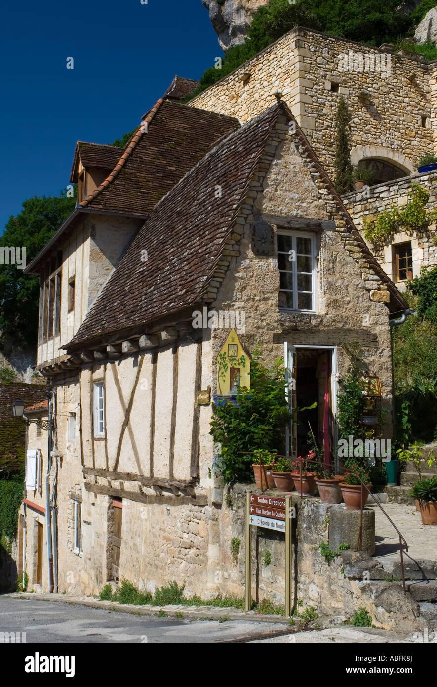 petite maison mdivale utilis comme une boutique dans les temps modernes rocamadour france