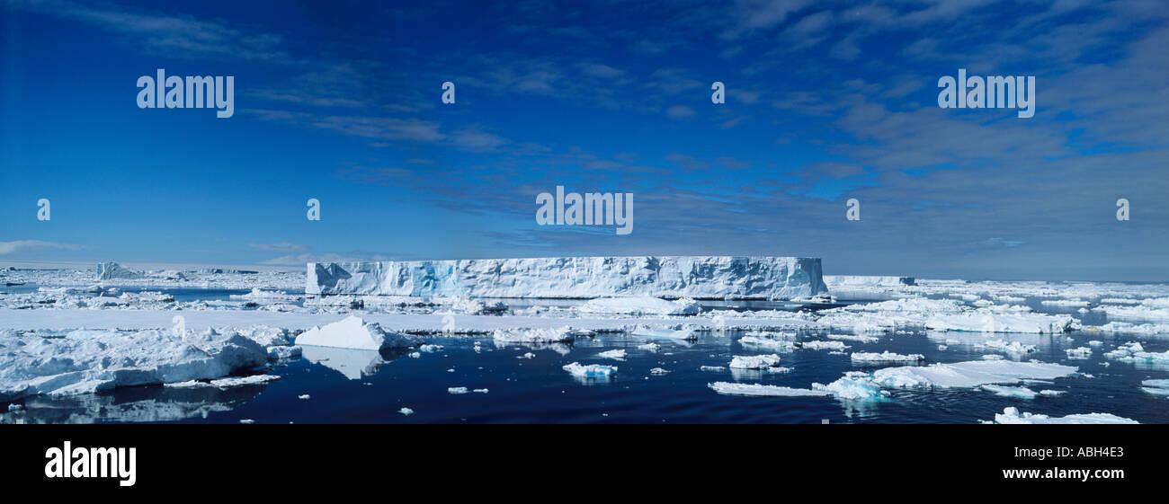Icebergs dans la mer de Weddell, Antarctique Banque D'Images
