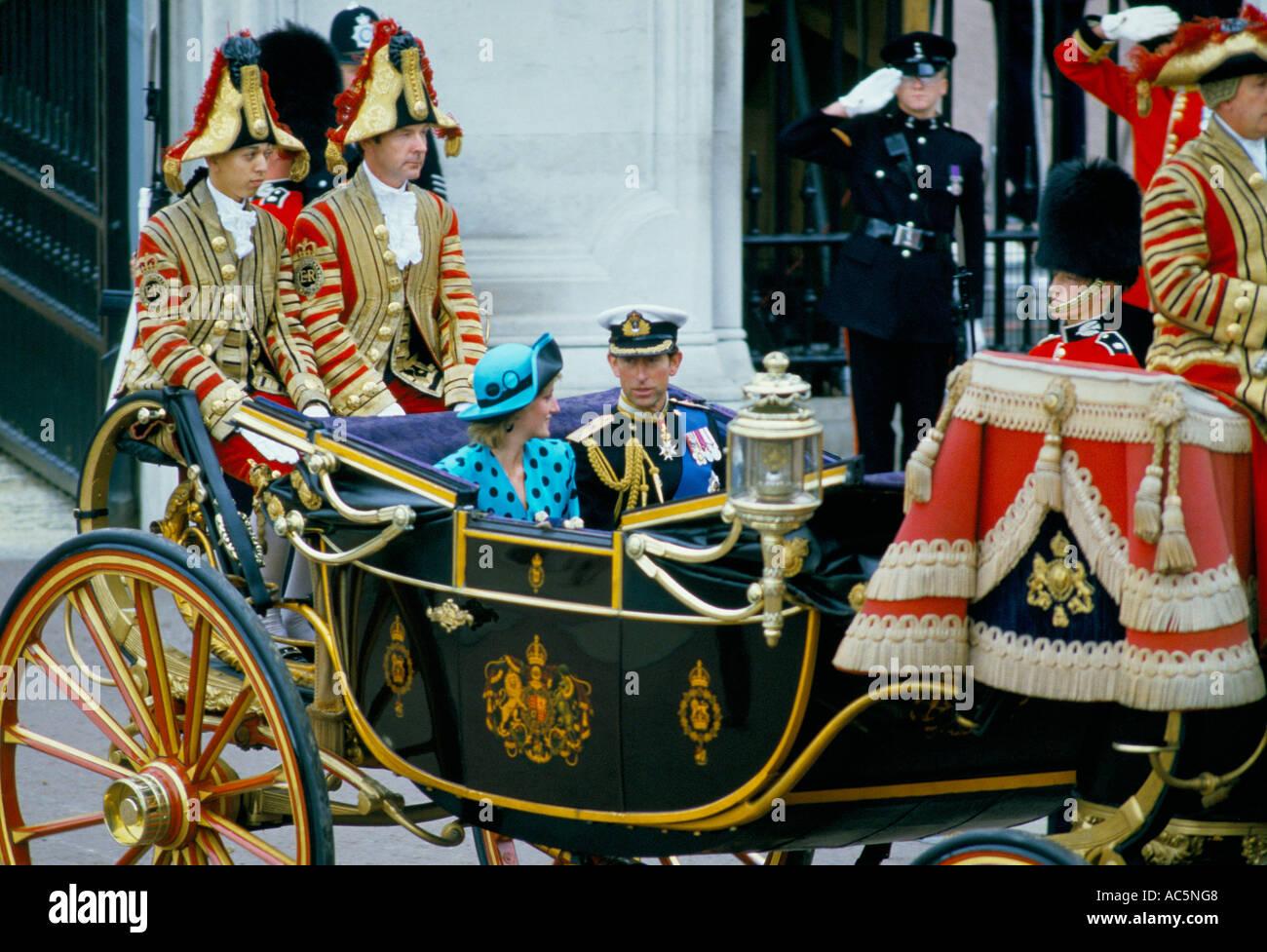 Le Prince Charles la princesse Diana sur chariot au Prince Andrew s Mariage Royal La Pomp Banque D'Images