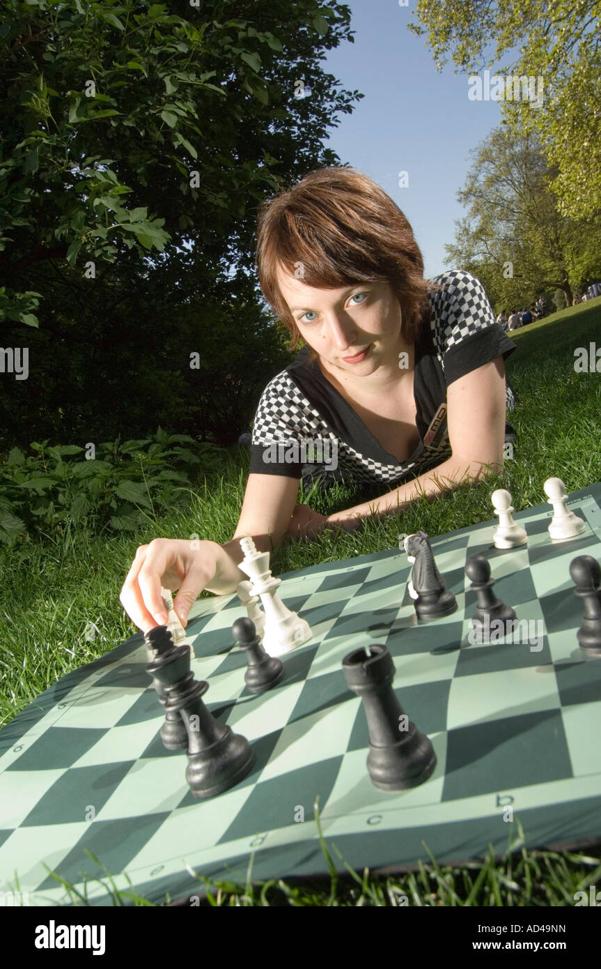 Elisabeth Paehtz, champion du monde junior d'échecs allemand Photo Stock