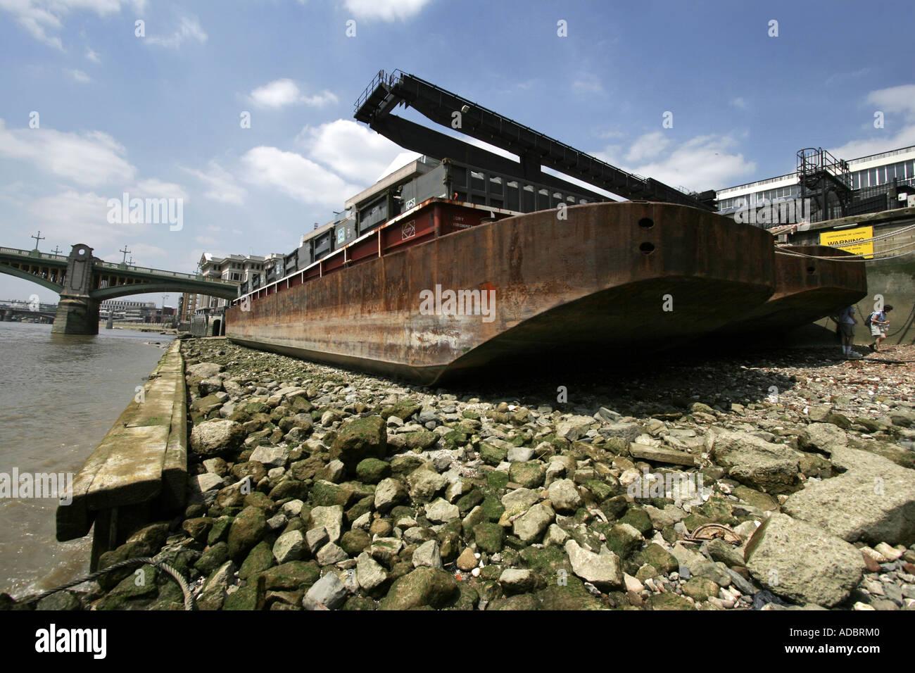 La Tamise à marée basse à Londres en Angleterre Photo Stock