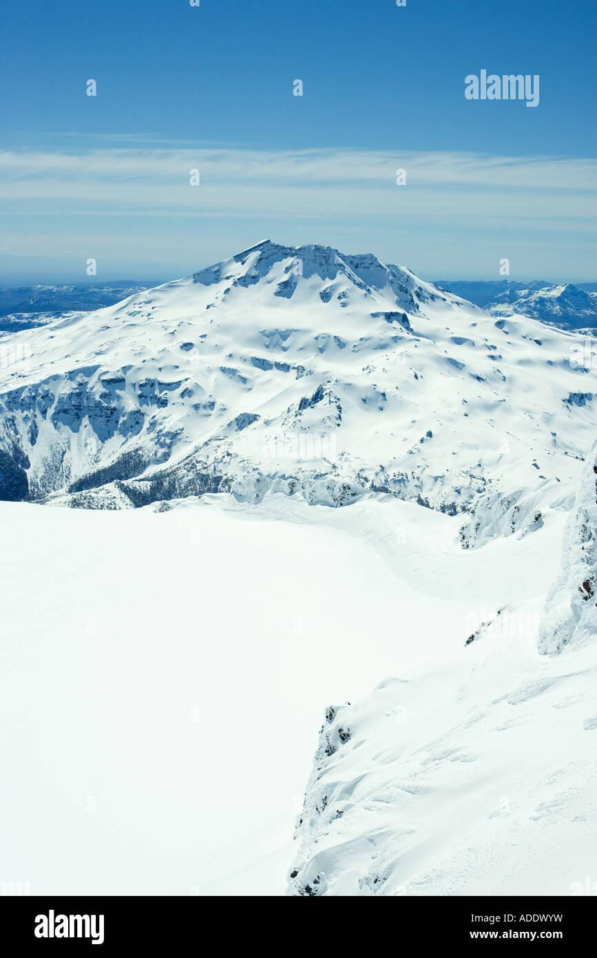 Paysage de montagne couverte de neige Photo Stock