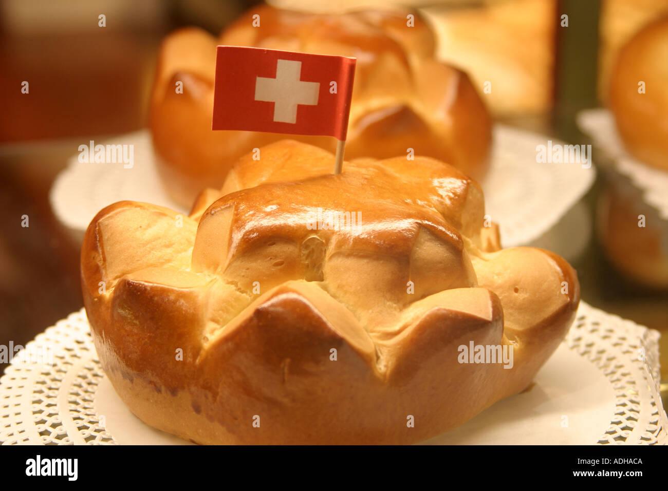 Suisse Zurich 1 Août fête nationale de pâtisserie confiserie Spruengli avec  drapeau suisse