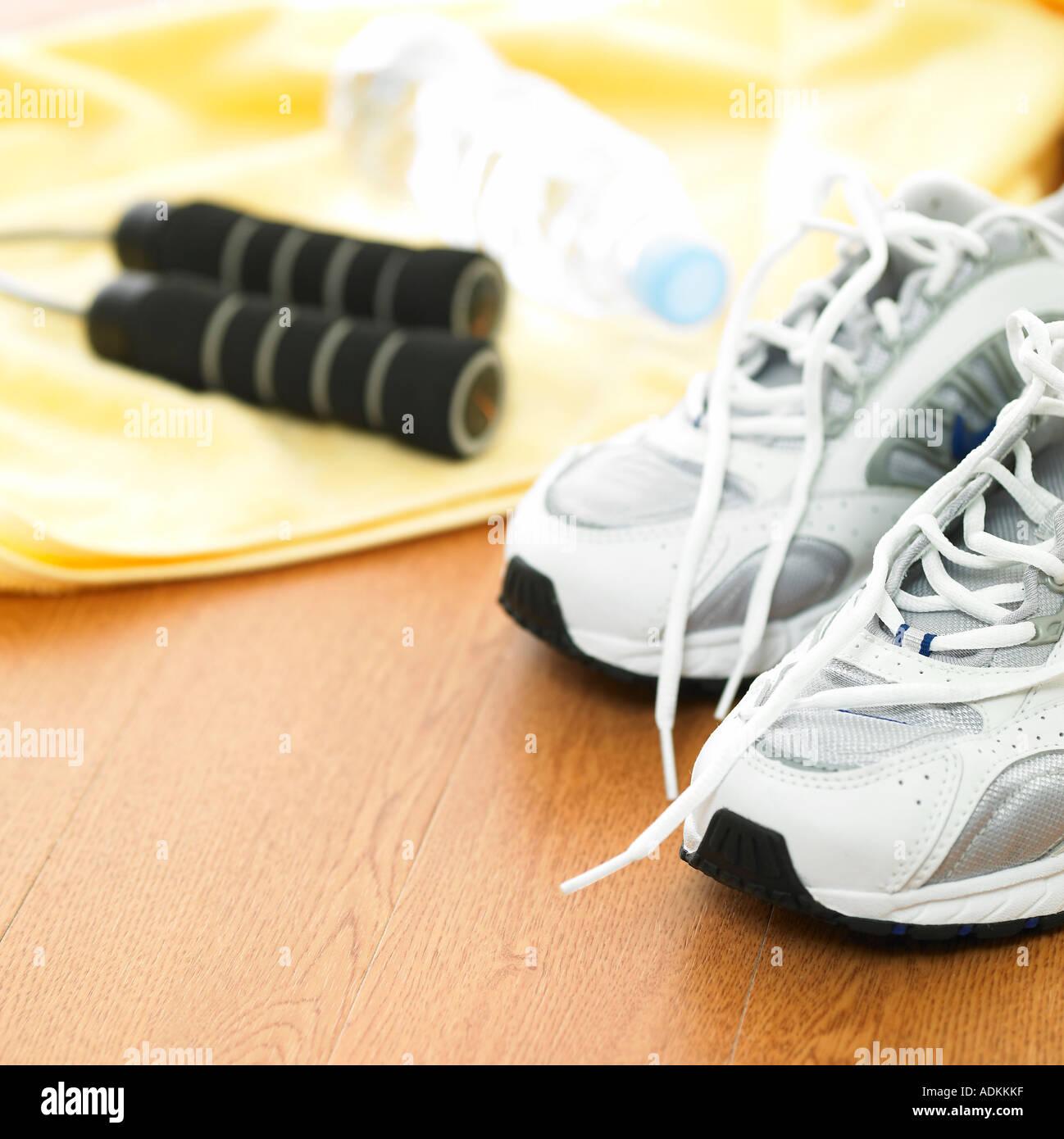 Sport marchandises et une chaussure de sport Photo Stock