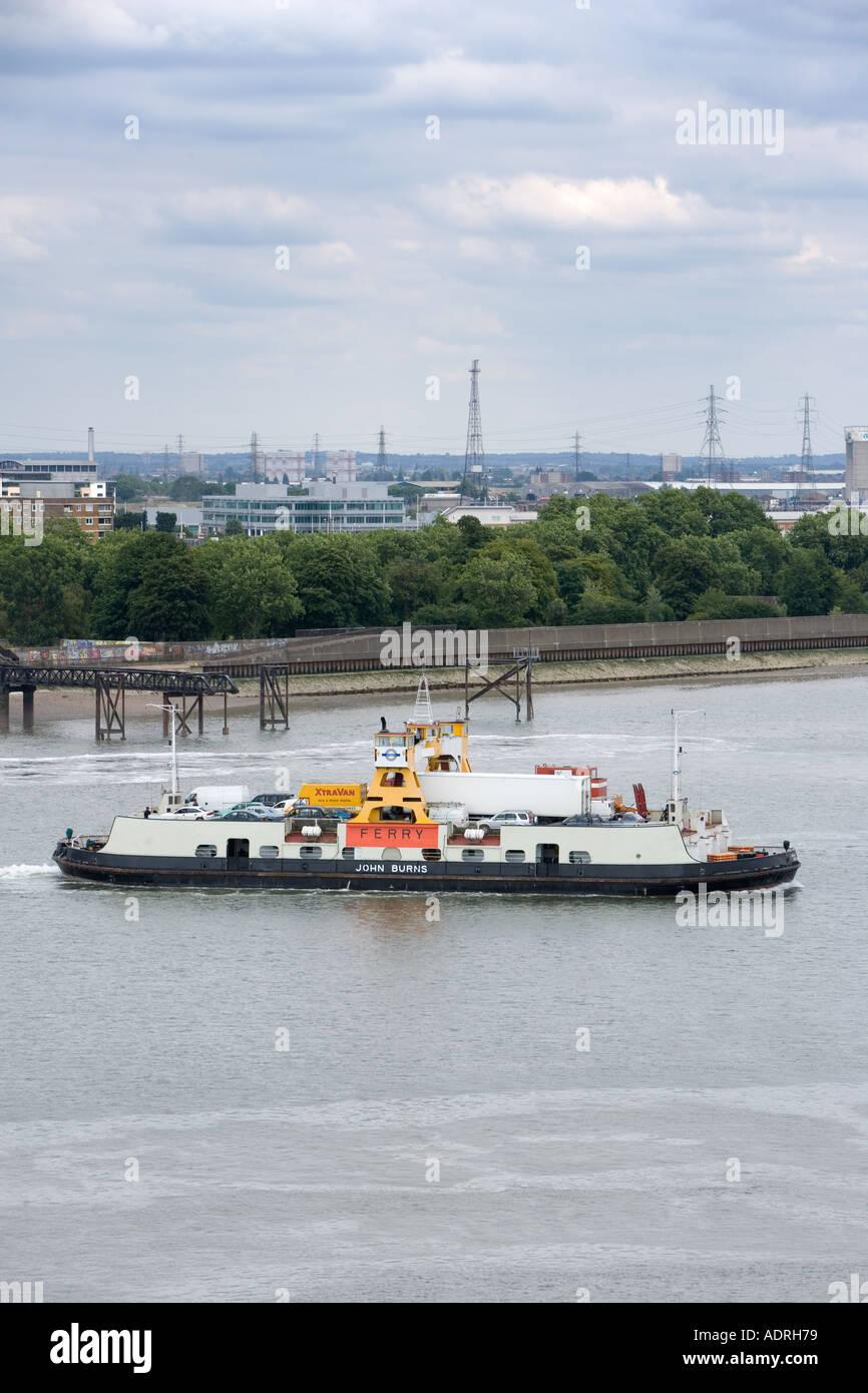 La traversée en ferry de Woolwich est de Londres Thames Photo Stock