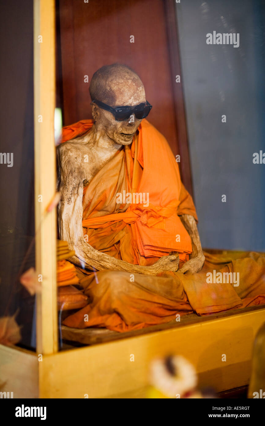 Moine momifié 'Loung Pordaeng à Wat', de Khunaram Koh Samui