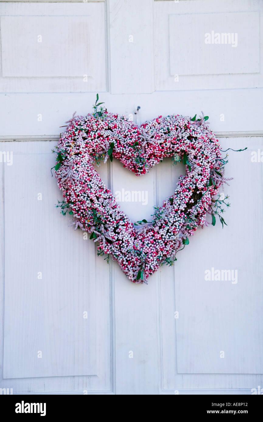 Coeur couronne sur vieille porte Photo Stock