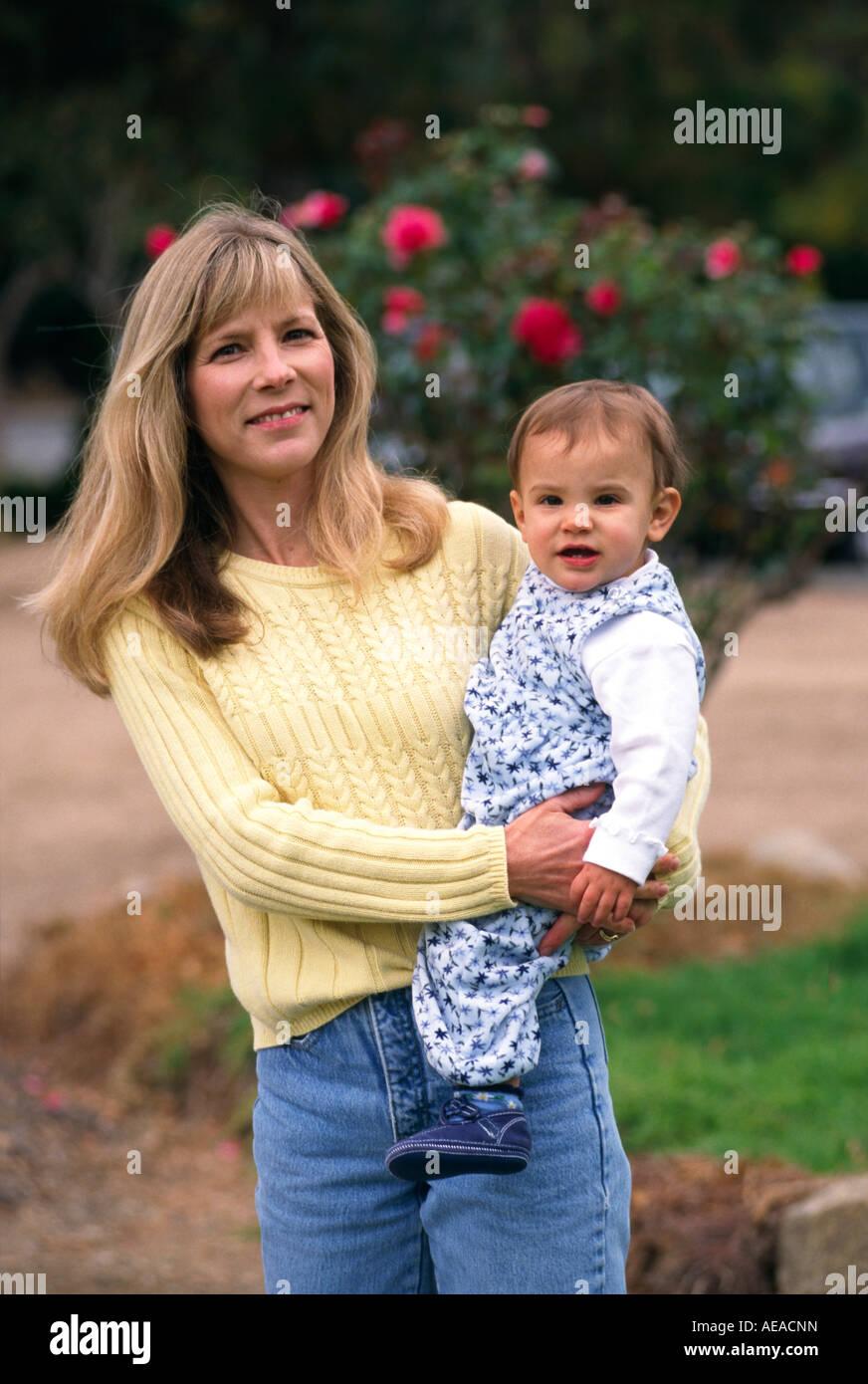 Une mère et sa fille d'un an M. Photo Stock