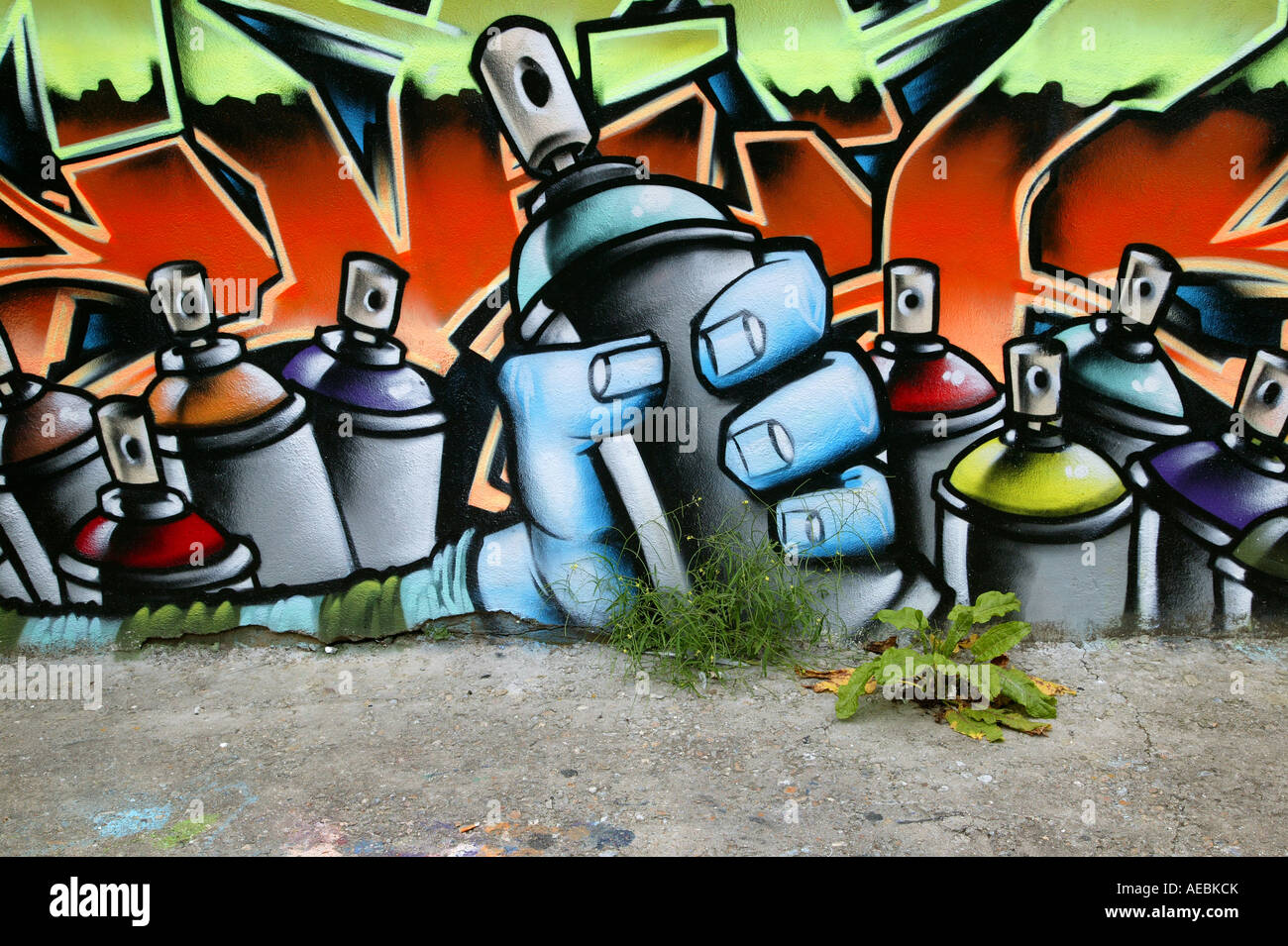 Bombe De Peinture Graffiti Image Sur Un Mur Public Banque D