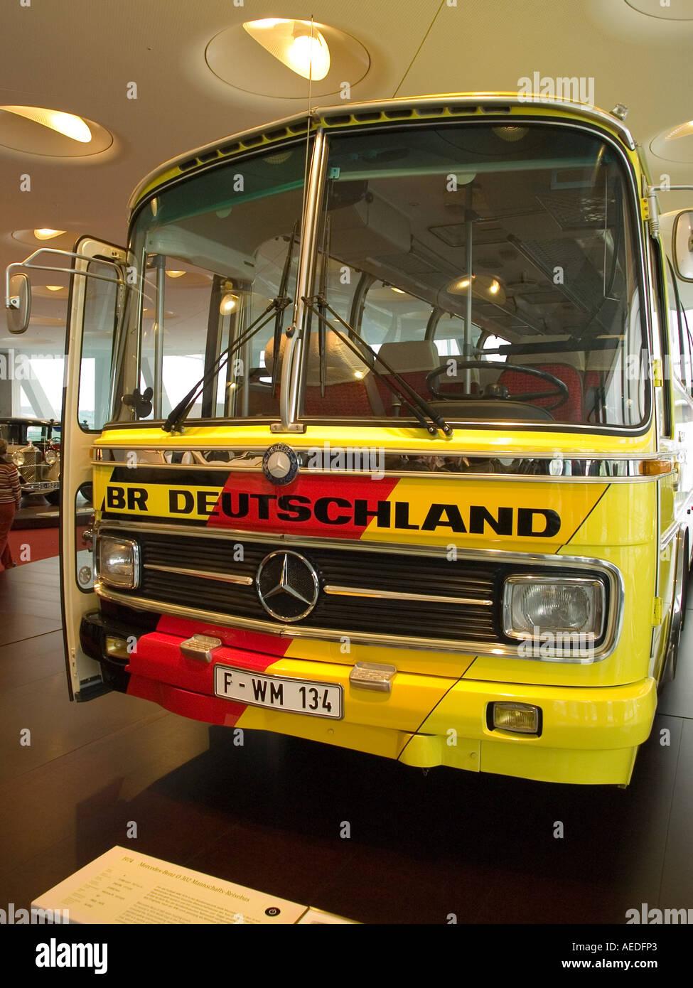 limousine bus photos limousine bus images alamy. Black Bedroom Furniture Sets. Home Design Ideas