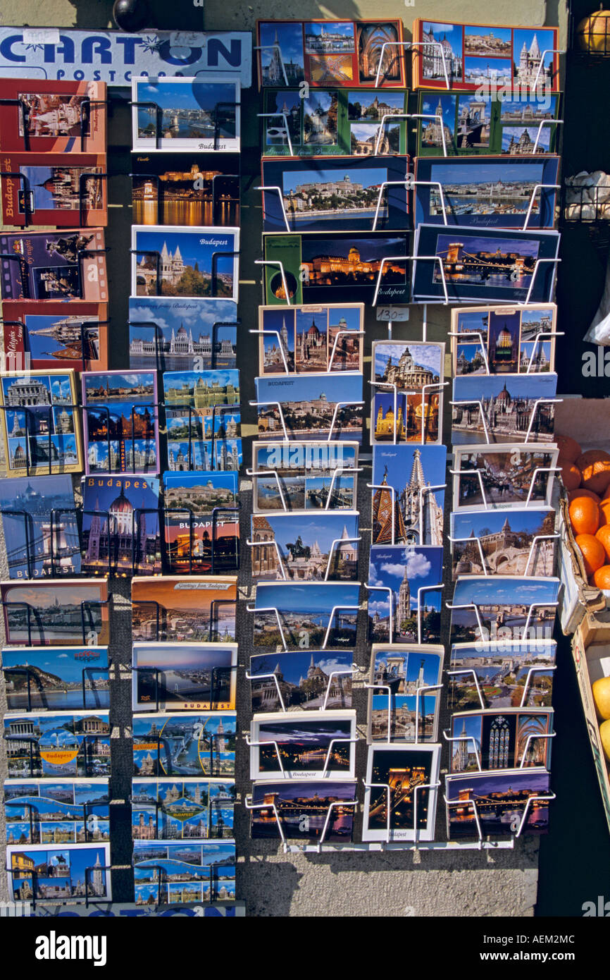 Poster card display, Budapest, Hongrie Banque D'Images