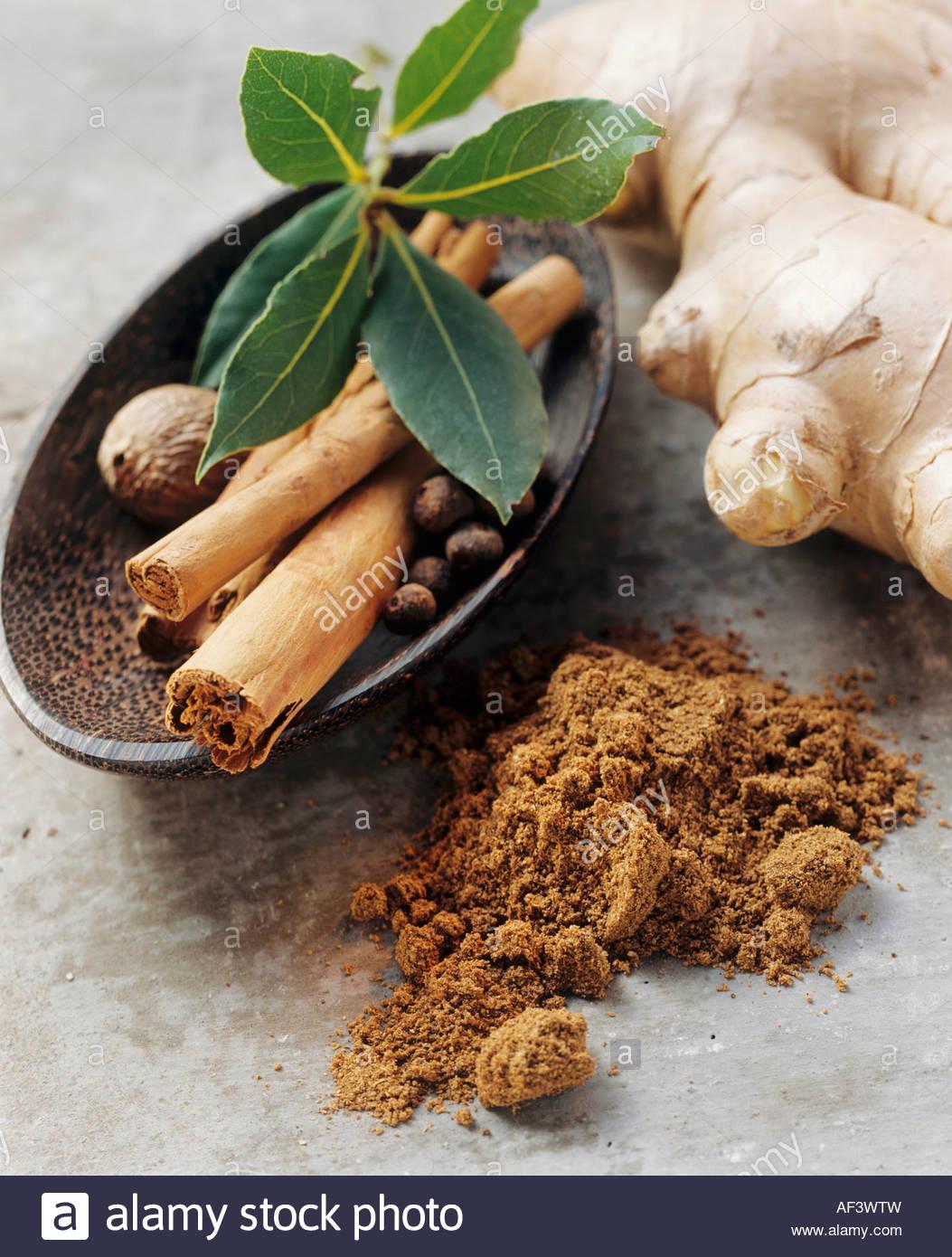 Garam Masala indien et les ingrédients (3) Photo Stock