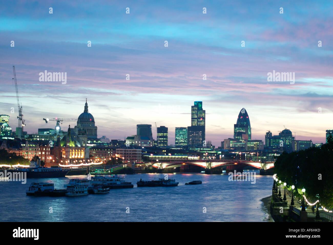 London city sky line à l'aube vers 2006 Photo Stock
