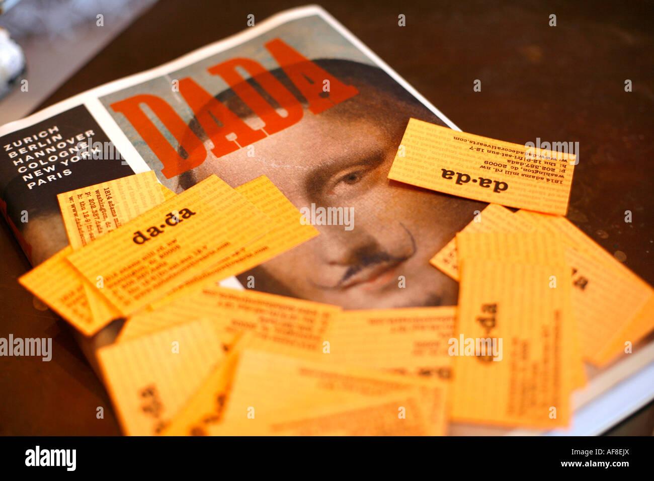 Des cartes de visite d'une boutique d'antiquités, Dada Antiquités, Washington DC, United States, Photo Stock