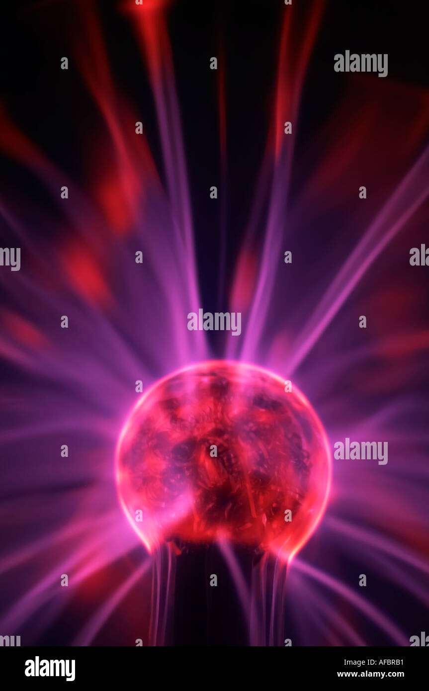 La Science Physique Electricite Electrique Bougies Bougies D Eclairage Couleur Couleur Boule De Plasma Technologie Streak Rayonnement Lueur Brillant Elire Photo Stock Alamy