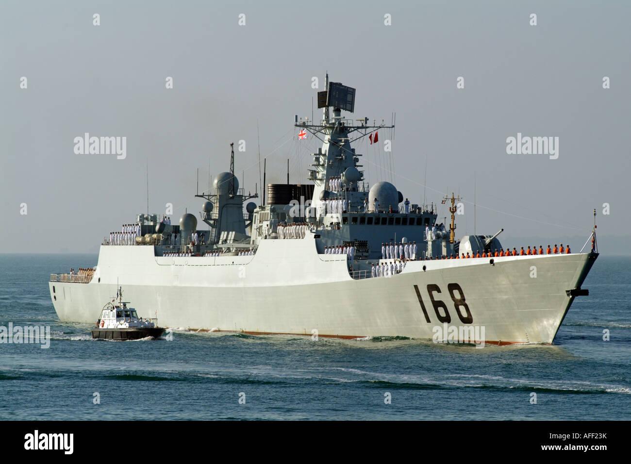 le-guangzhou-un-destroyer-lance-missiles