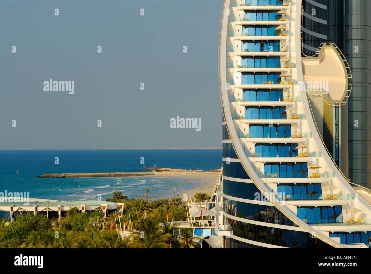 Chambres avec balcon, l'hôtel Jumeirah Beach Hotel, Dubai, Émirats Arabes Unis Photo Stock