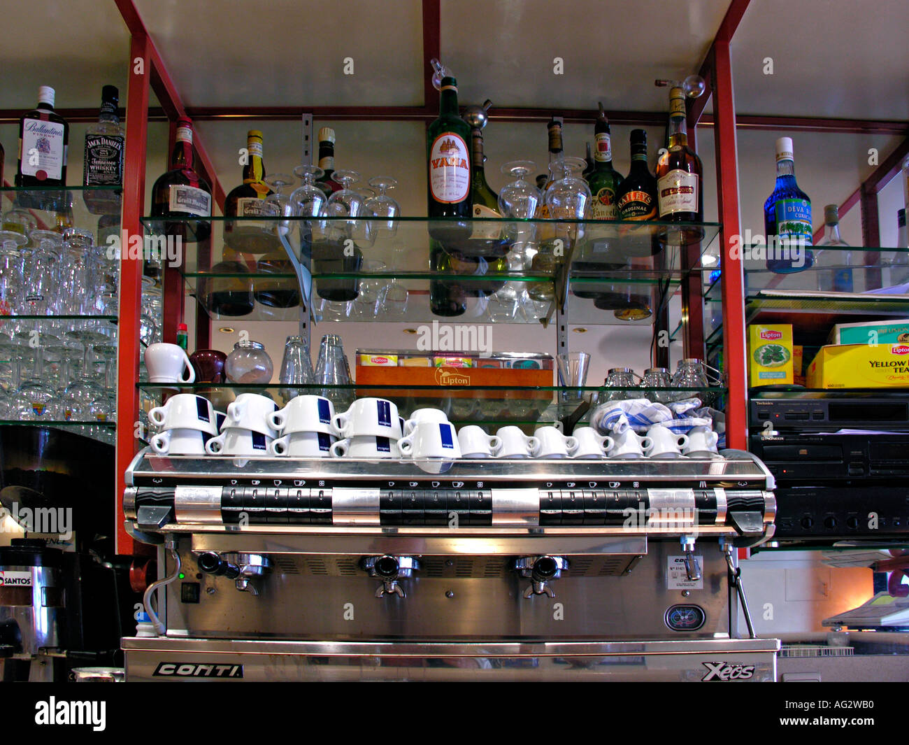 À l'intérieur d'un bar en France Photo Stock