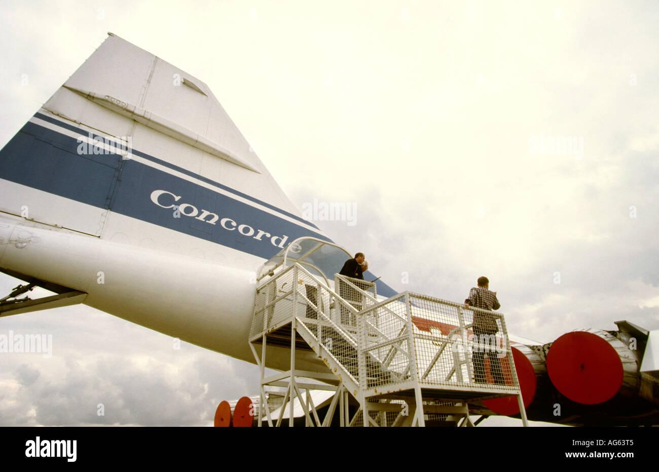 UK Angleterre Cambridgeshire Duxford Museum visiteurs à queue de Concorde 001 Banque D'Images