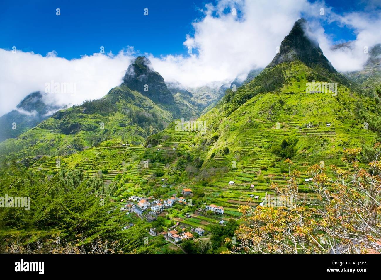 Paysage de montagnes de Madère près de Encumeade Photo Stock
