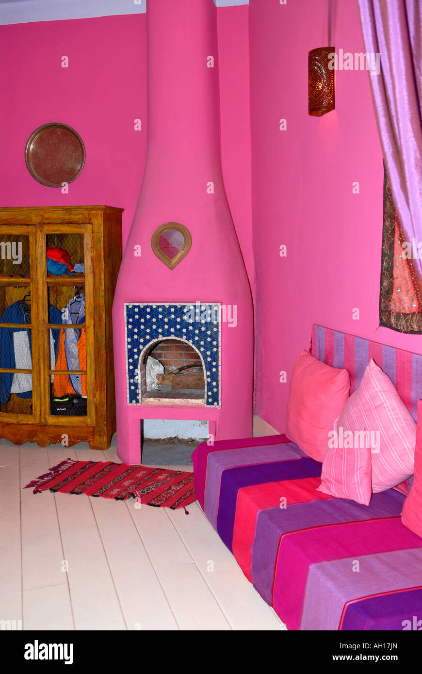 Maroc , Marrakech , Riad Dar El Madina hotel hippy , rose ...