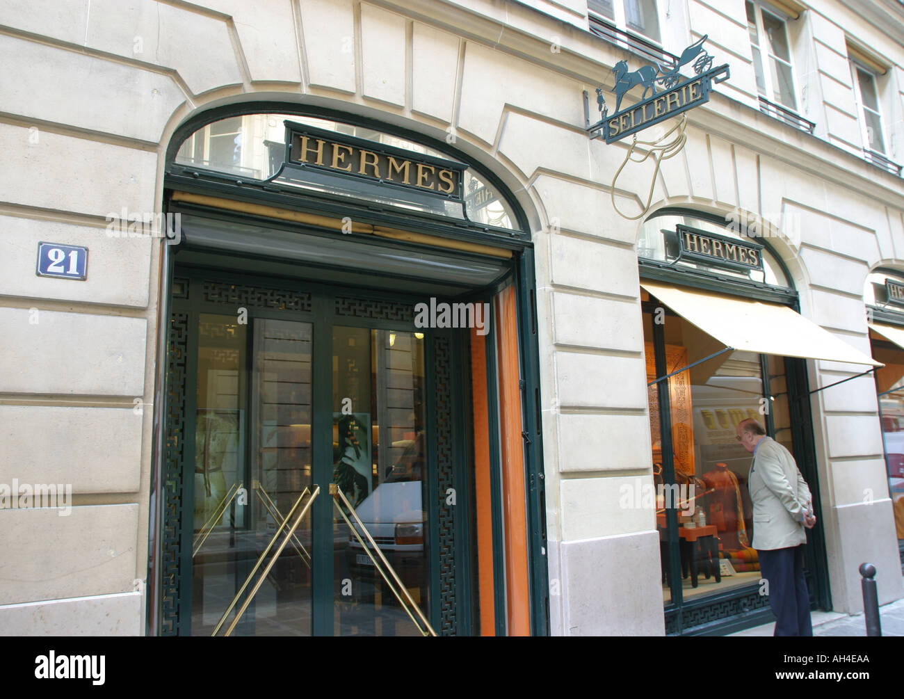 Hermes Paris Photos   Hermes Paris Images - Alamy 3bb1702748f