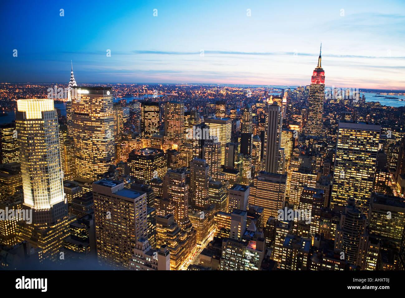 Vue aérienne de New York City at Dusk Photo Stock