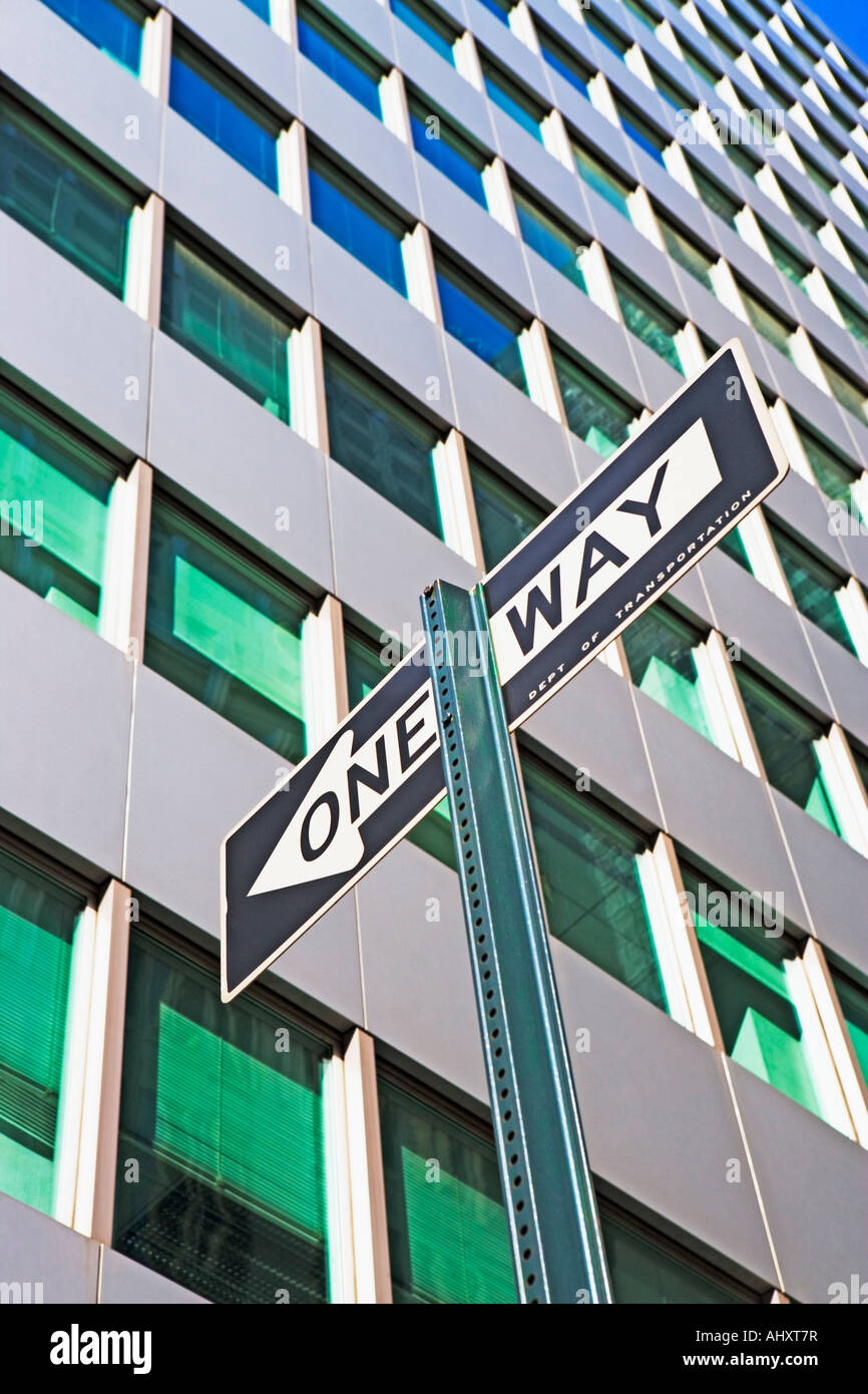 Low angle view of One Way sign Banque D'Images