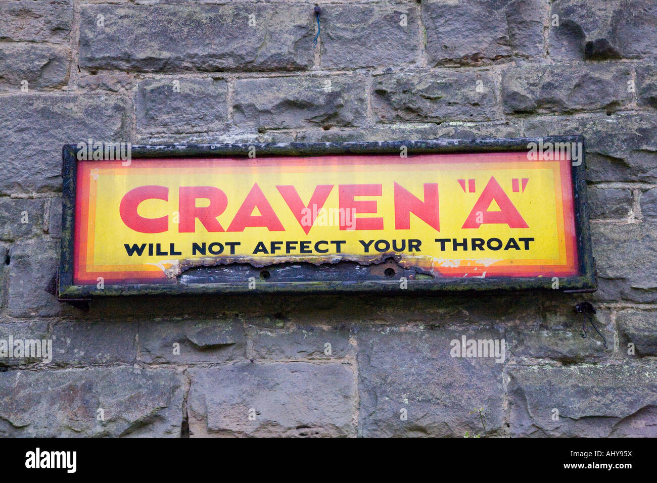 craven a vintage plaque emaill e metal mur publicitaire sign banque d 39 images photo stock. Black Bedroom Furniture Sets. Home Design Ideas