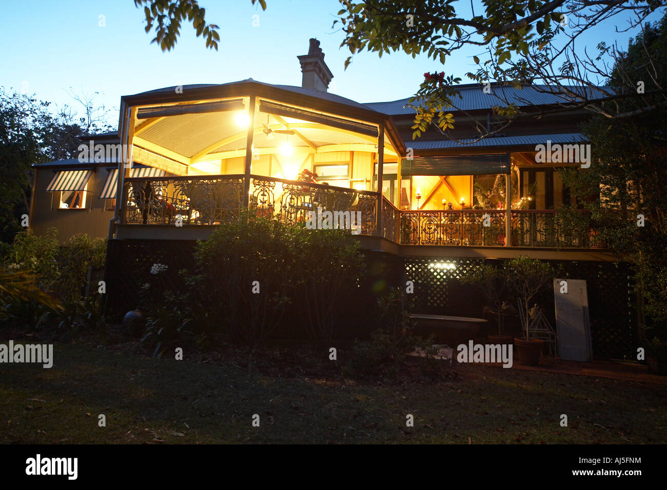 construction maison bois style coloniale ventana blog. Black Bedroom Furniture Sets. Home Design Ideas