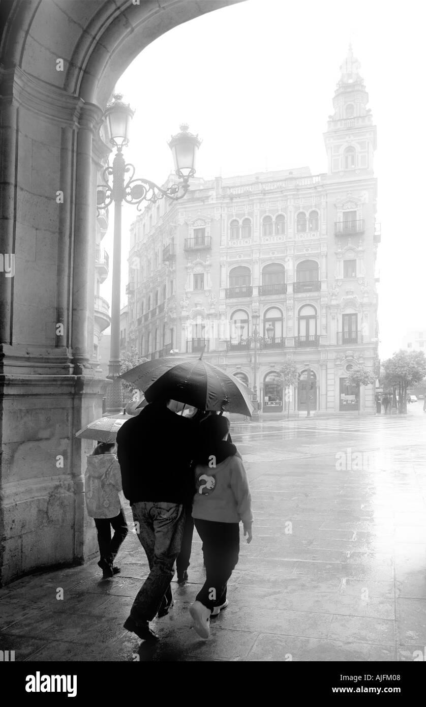 Jour de pluie à Séville B W Photo Stock