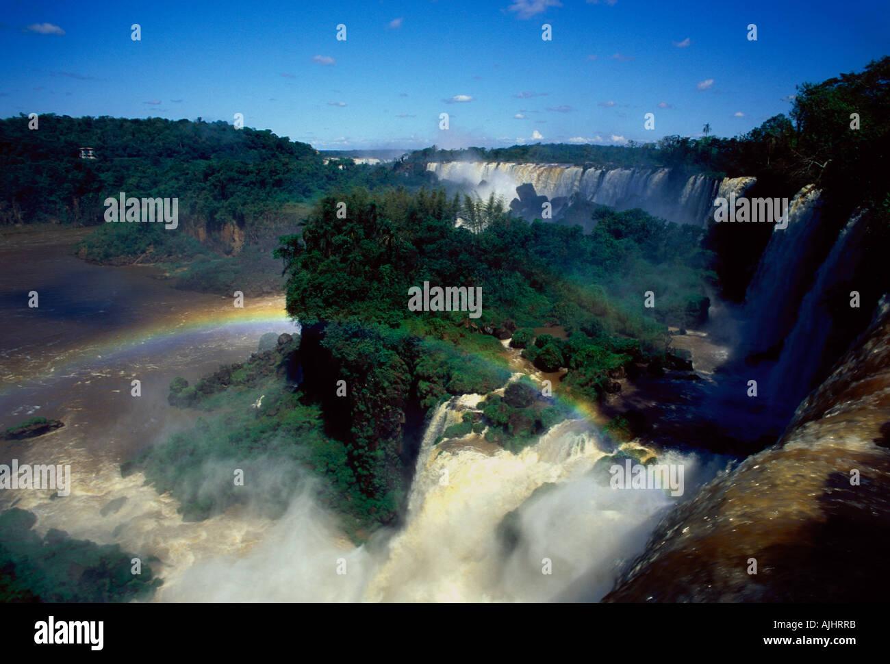 Chutes d'Iguazu Falls cascade et rivière Iguazu Iguazu National Park Province de Misiones Argentine Amérique du Banque D'Images