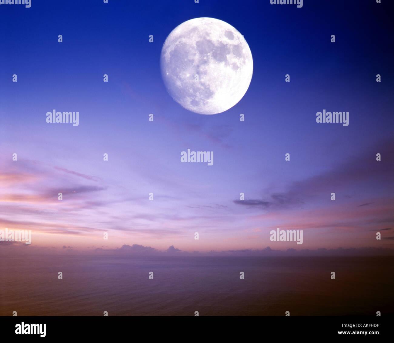 IE - CO.DONEGAL: Lune de l'Atlantique Photo Stock